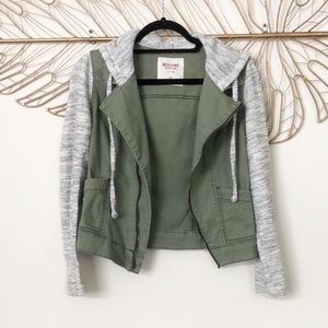 *Army Green Casual Jacket*